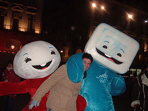Neve and Gliz - Neve and Gliz with a fan at Sponsor Village in piazza Solferino of Turin