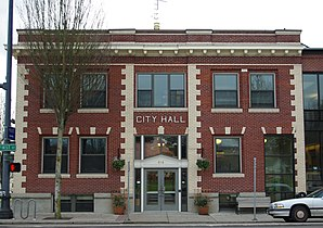 Newberg Oregon city hall.JPG
