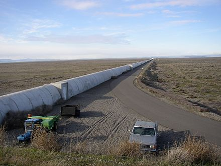 Northern arm of the LIGO Hanford Gravitational-wave observatory. Northern leg of LIGO interferometer on Hanford Reservation.JPG