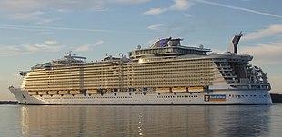 اكبر سفينة في العالم 310px-Oasis_of_the_S