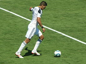 Omar Gonzalez at Galaxy at Earthquakes 2010-08-21 3.JPG