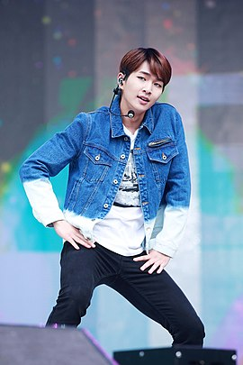 Onew at Music Core, in September 2015 05.jpg