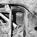 Oostelijke kelder onder balzaal voormalige toegang - 's-Gravenhage - 20086508 - RCE.jpg