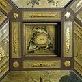 Oranjezaal vóór de restauratie- detail plafond, cassette boven oostwand - 's-Gravenhage - 20418329 - RCE.jpg