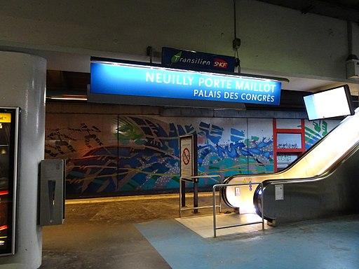 Panneau nom de la gare Neuilly Porte Maillot