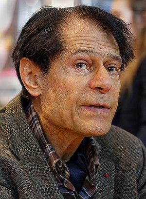 Claude Hagège - Image: Paris Salon du livre 2013 Claude Hagège 001