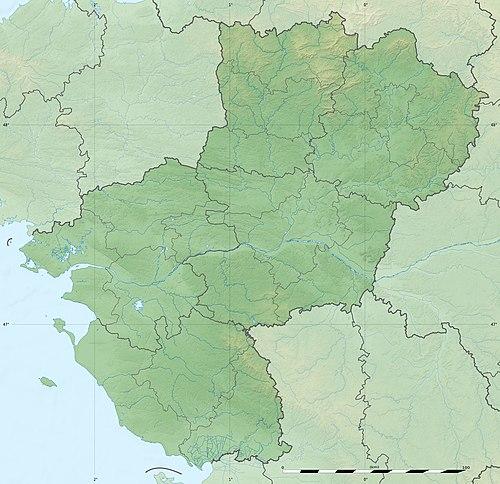 (Vidu la mapon topografia)