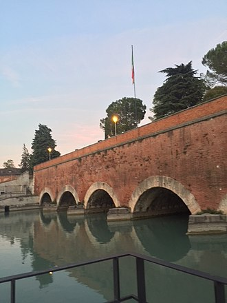 Mincio - The bridge in Peschiera del Garda where Lake Garda discharges into the Mincio, denoting the beginning of the river.