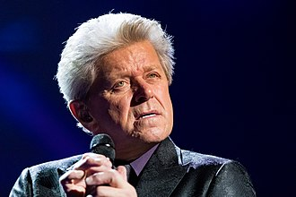 Peter Cetera - Image: Peter Cetera 2017356211841 2017 12 22 Night of the Proms Sven 1D X MK II 0772 B70I8267
