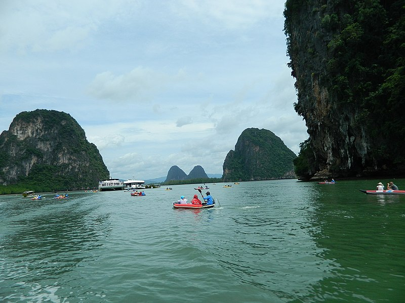 File:Phang-nga Bay, leading to James Bond Island - panoramio.jpg