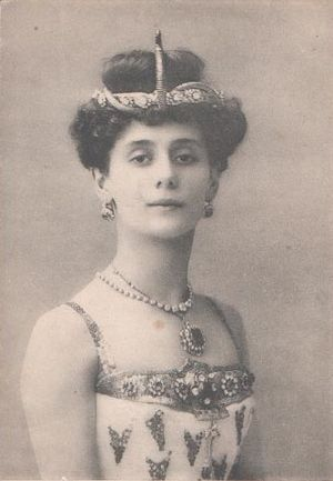 Anna Pavlova - Photographic postcard of Anna Pavlova as the Princess Aspicia in Alexander Gorsky's version of the Petipa/Pugni The Pharaoh's Daughter for the Bolshoi Theatre. Moscow, 1908