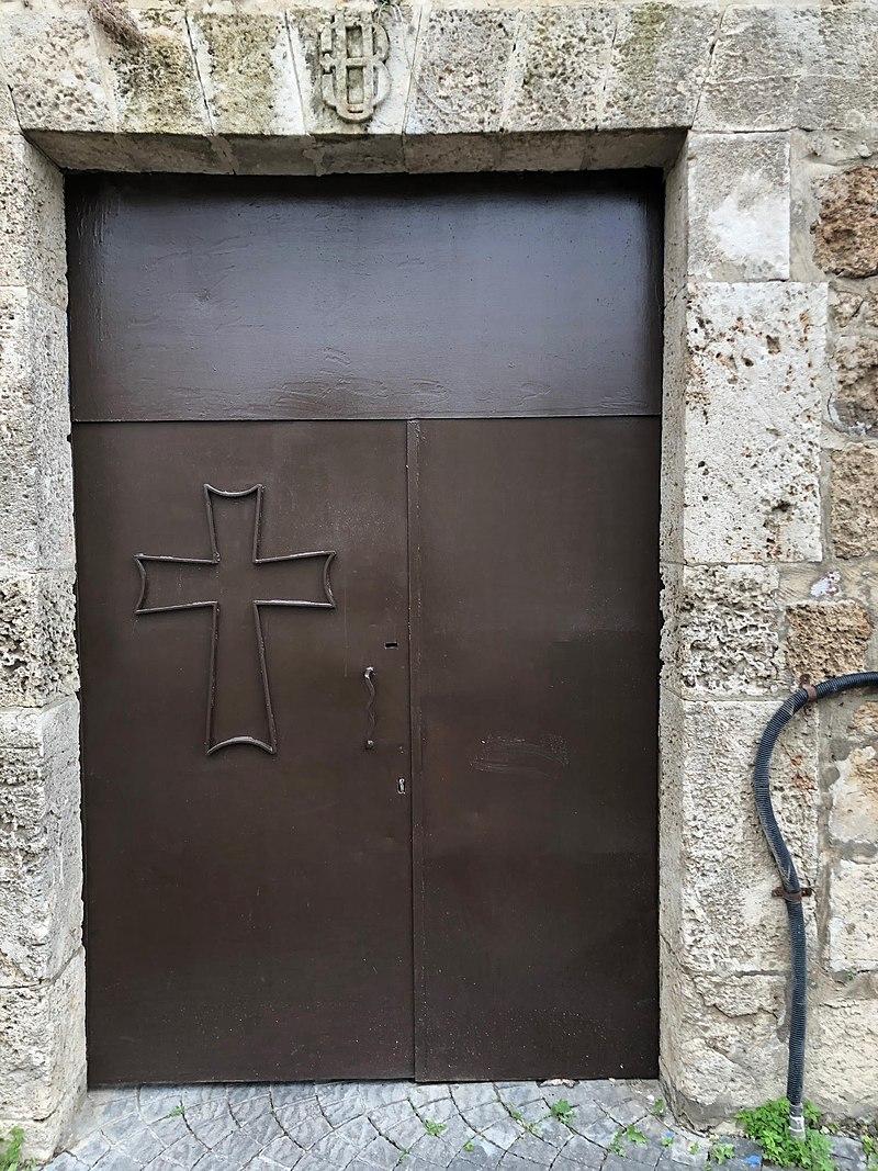 שער הכניסה לכנסיה הארמנית ברמלה