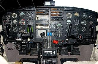 Piper PA-31 Navajo - Piper PA-31 Navajo instrument panel