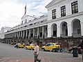 Plaza de Armas - Quito Ecuador (4870133227).jpg