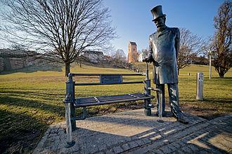 William Heerlein Lindley - Statue of William H. Lindley, Warsaw