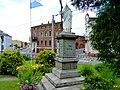 Pomnik przed kościołem - panoramio (5).jpg