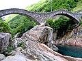 Ponte Romano - Valle Verzasca - Ponte dei Salti - panoramio.jpg