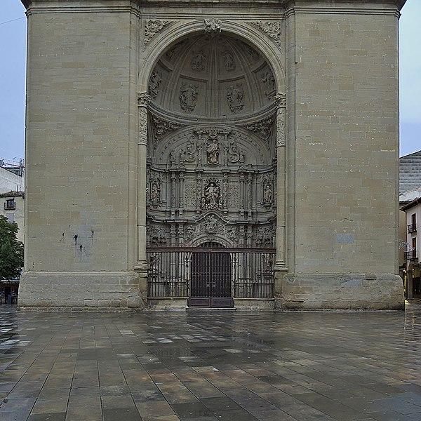 File:Portada de Nuestra Señora de los Ángeles. Logroño.jpg