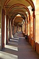 """Portico di San Luca nei pressi della """"Madonna Grassa"""" - panoramio (1).jpg"""