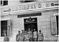 Poste - Poste italienne qui porte encore l'inscription slave - Médiathèque de l'architecture et du patrimoine - AP62T019234.jpg