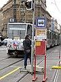 Praha, Náměstí I. P. Pavlova - linka X odjíždí ve směru Karlovo Náměstí.JPG
