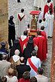 Procession lors de la fête de la sainte Foy à Conques le 6 octobre 2013.jpg