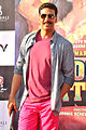 Promotional rickshaw race for 'Rowdy Rathore' (9).jpg