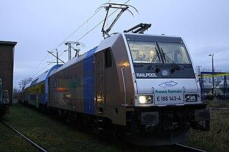 InterRegio - An EU43 (Bombardier TRAXX) locomotive with a Bydgoszcz-Warsaw InterRegio train