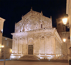 Cathedral of Troia at night