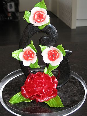 Sugar sculpture - Roses and leaves made from pulled sugar