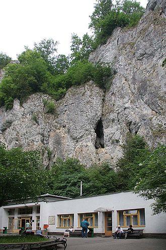 Punkva Caves - Image: Punkevní jeskyně1