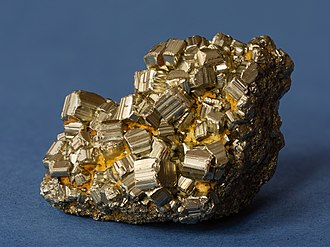 "Iron pyrite or ""fool's gold"" Pyrit 01.jpg"