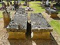 Queyssac cimetière tombes (4).JPG