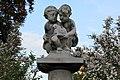Radeberg Skulptursäule Eigenheimsiedlung Detail.jpg