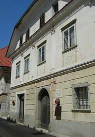 Radovljica Linhartov trg 7 rojstna hiša A.T. Linharta corr 28042010