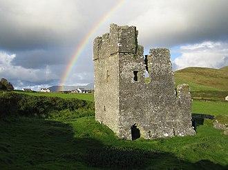 Rahinnane Castle - Image: Rahinnane Castle geograph.org.uk 257388