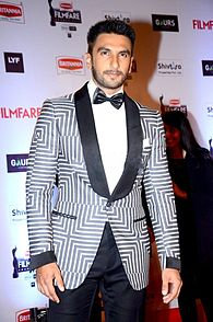 Ranveer at filmfare.jpg