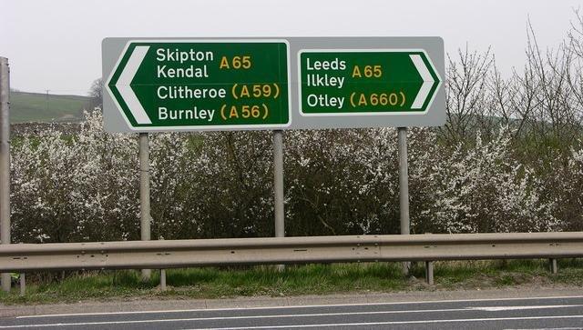 Roadsign A65 - geograph.org.uk - 401321