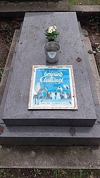Sépulture de Michael Lonsdale, cimetière de Montmartre,4e division (avenue de Montebello)..jpg