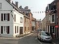 Saint-Valery-sur-Somme (80), rue de l'Echaux, vue vers l'est depuis la place du maréchal Joffre.jpg