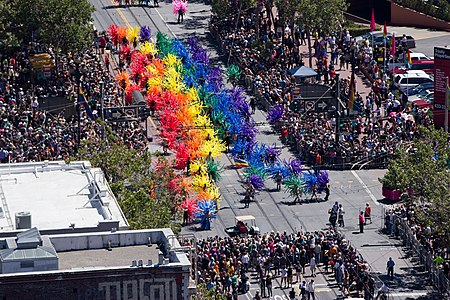 San Francisco Pride Parade 2012-4.jpg