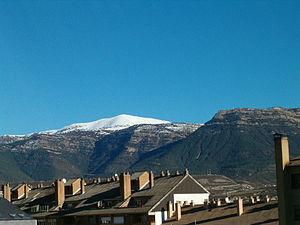 Sabiñánigo - View of Mount Oturia from Sabiñánigo