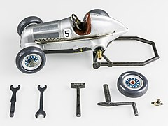 Schuco Studio 1050 Mercedes Grand Prix 1936-92539.jpg