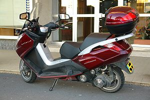Scooter Peugeot Satelis 125 Compressor rear.jpg