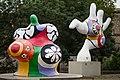 Sculptures Nanas Niki de Saint Phalle Leibnizufer Hanover Germany 01.jpg