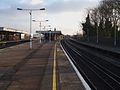 Selhurst station fast platforms look south.JPG