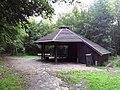 Shelter i Branderup Kirkeskov.jpg