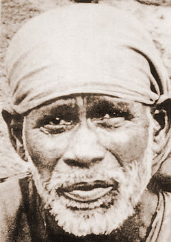 Shirdi Sai close-up.jpg
