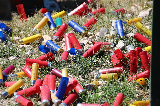 Shotgun shells By Loadmaster (David R. Tribble)    This image was made by Loadmaster (David R. Tribble) Email the author:  David R. Tribble Also see my personal gallery at Google Picasa (Own work) [CC BY-SA 3.0 (https://creativecommons.org/licenses/by-sa/3.0) or GFDL (https://www.gnu.org/copyleft/fdl.html)], via Wikimedia Commons