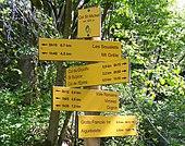 Signalétique de randonnée au col Saint-Michel sur la châine de l'Épine